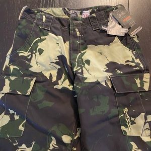 NEW UNDER ARMOUR WOUNDED WARIOR PROJECT UA-WWP CAMO CARGO MEN`S SHORTS Sz 30